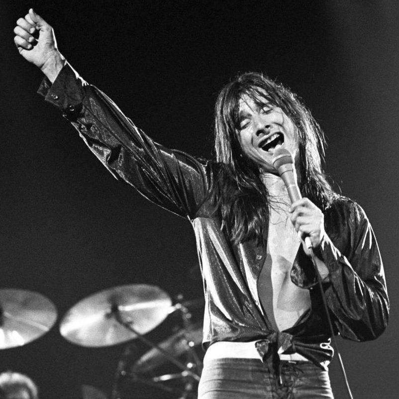 steveperry 1 v1000 e1603885867937 20 Facts About Rock Legends Van Halen That Will Make You Jump
