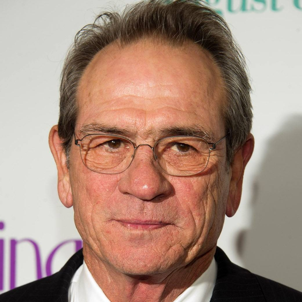 tommy lee jones headshot a p e1602237127979 20 Things You Never Knew About Tommy Lee Jones