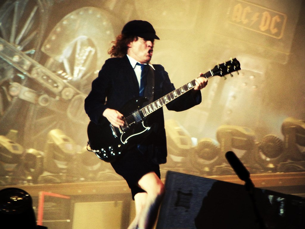 3669343685 765750dc81 b 20 Things You Never Knew About AC/DC