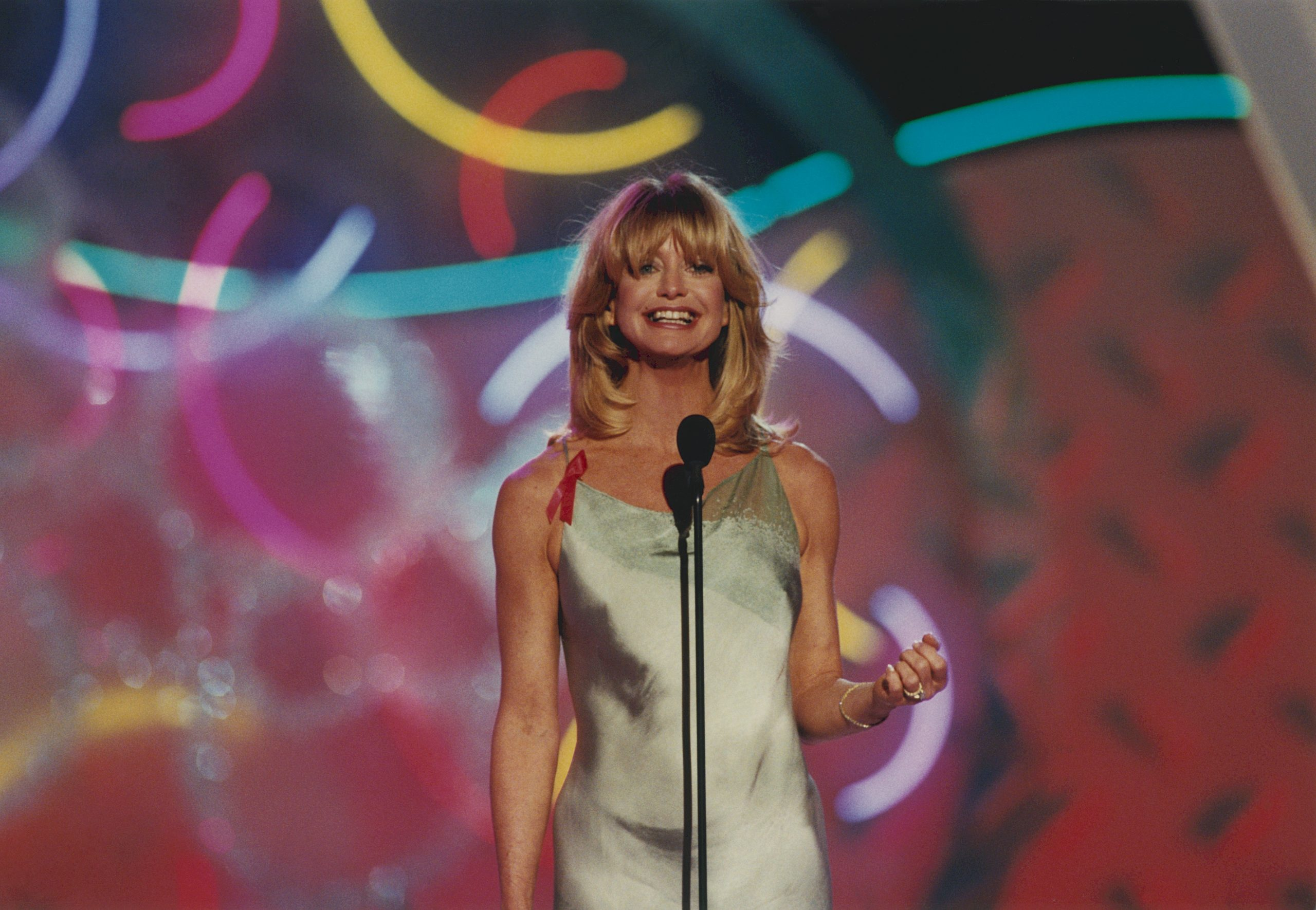 3bfef478eb7adcb29020ad1d18ceb1d136064501573039237 scaled 10 Things You Never Knew About Goldie Hawn
