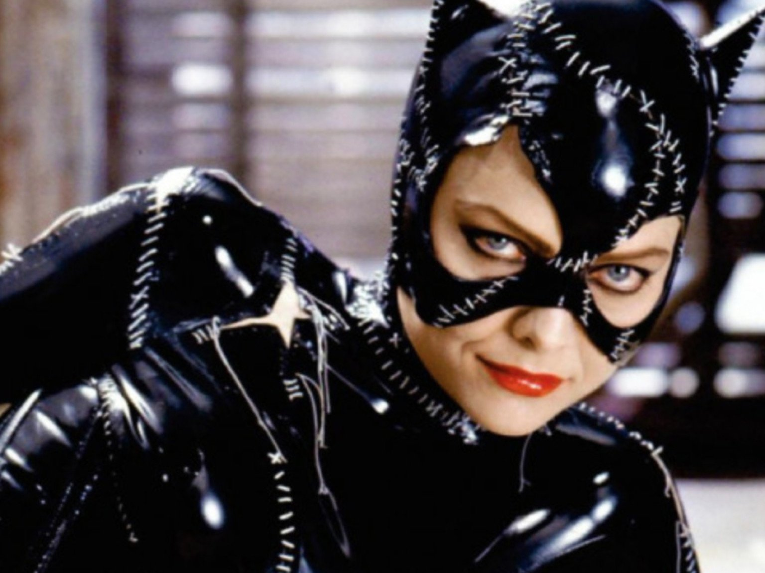 5cf594c75d9dc06329061d8d michelle pfeiffer catwoman 1003590 1280 0 10 Things You Never Knew About Sean Young