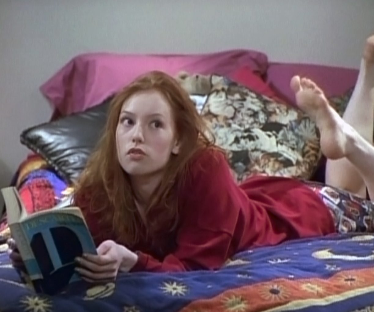 Alicia Witt Feet 4539157 e1616584859515 21 90s TV Actresses We All Had A Crush On When We Were Younger