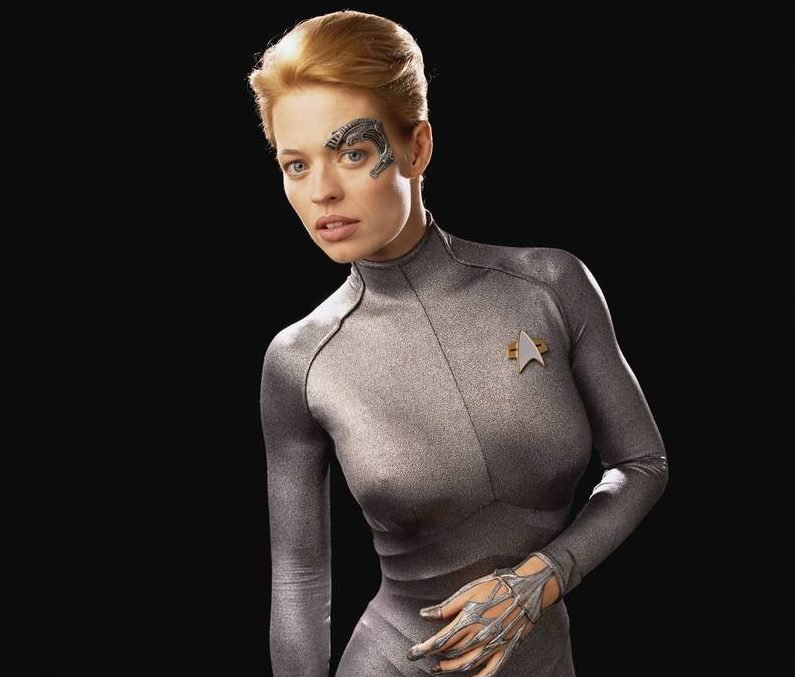 Jeri Ryan Seven of Nine e1619597400937 30 Spacefaring Facts About Hilarious Sci-Fi Comedy Film Galaxy Quest