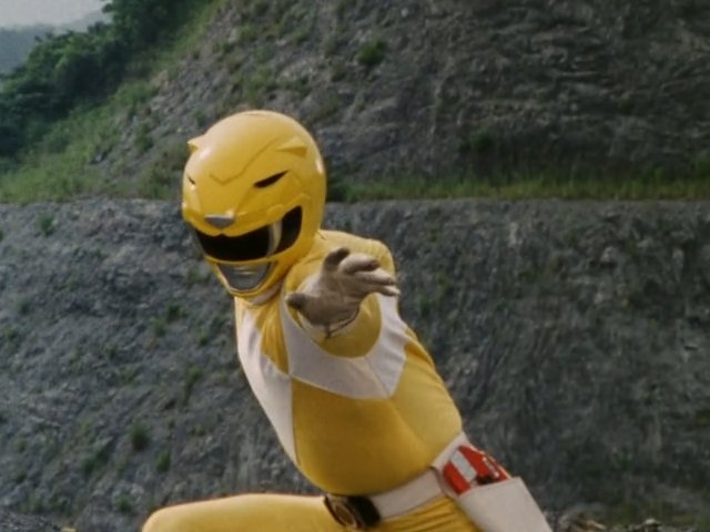 Mighty Morphin Yellow Ranger Pose 20 High-Kicking Facts About Mighty Morphin Power Rangers