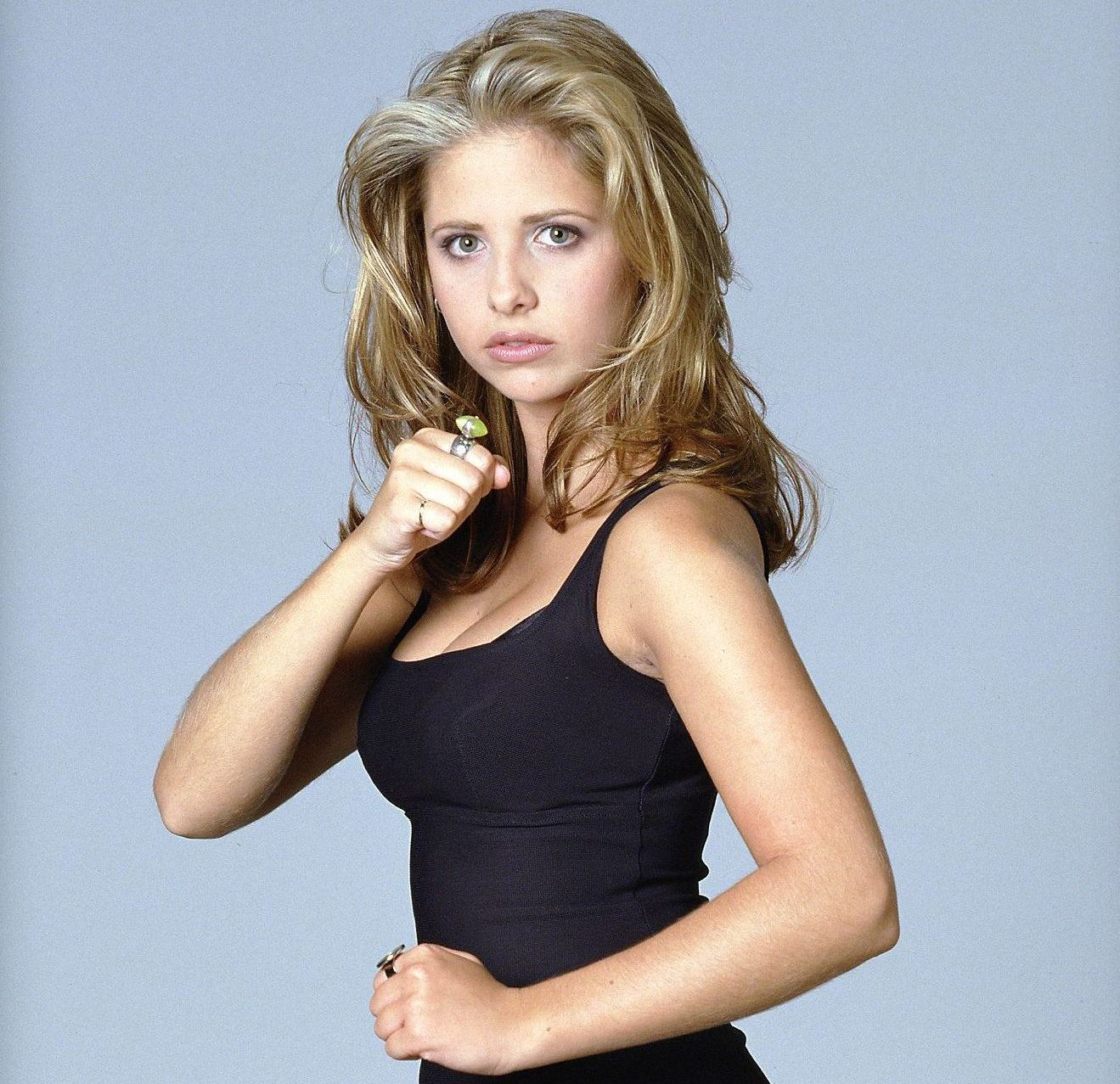 buffy sarah michelle gellar s1 51 dvdbash e1604592006517 21 90s TV Actresses We All Had A Crush On When We Were Younger