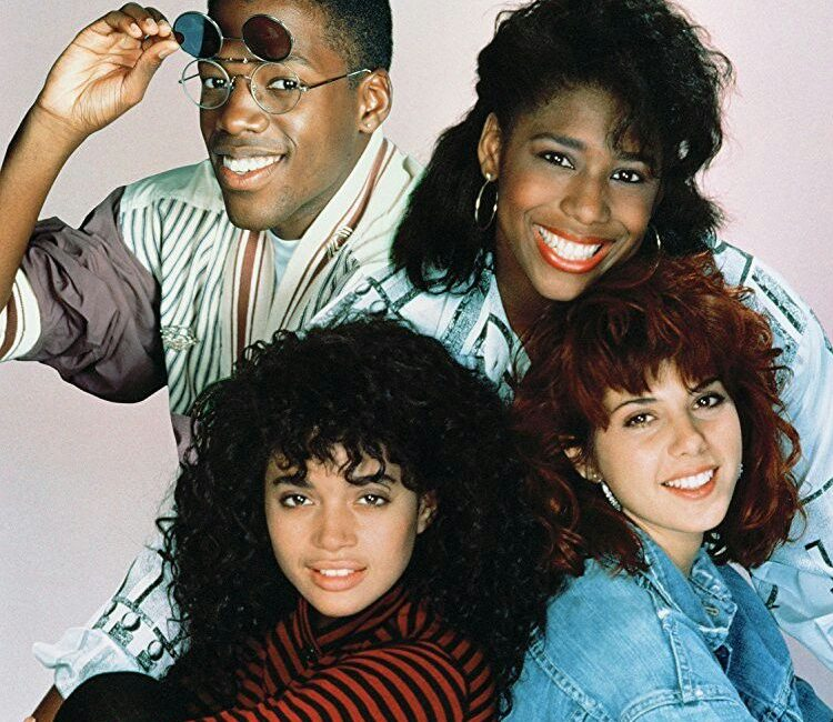 eb3603d62de1c96db9711c7a55e6d3a8 e1605260514389 21 90s TV Actresses We All Had A Crush On When We Were Younger