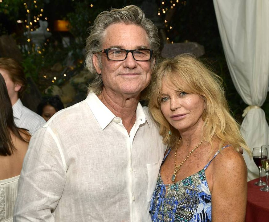 goldie hawn inside garden kurt russell t e1605869204670 10 Things You Never Knew About Goldie Hawn