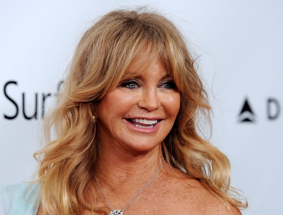 goldie hawn quit hollywood e1605869441259 10 Things You Never Knew About Goldie Hawn