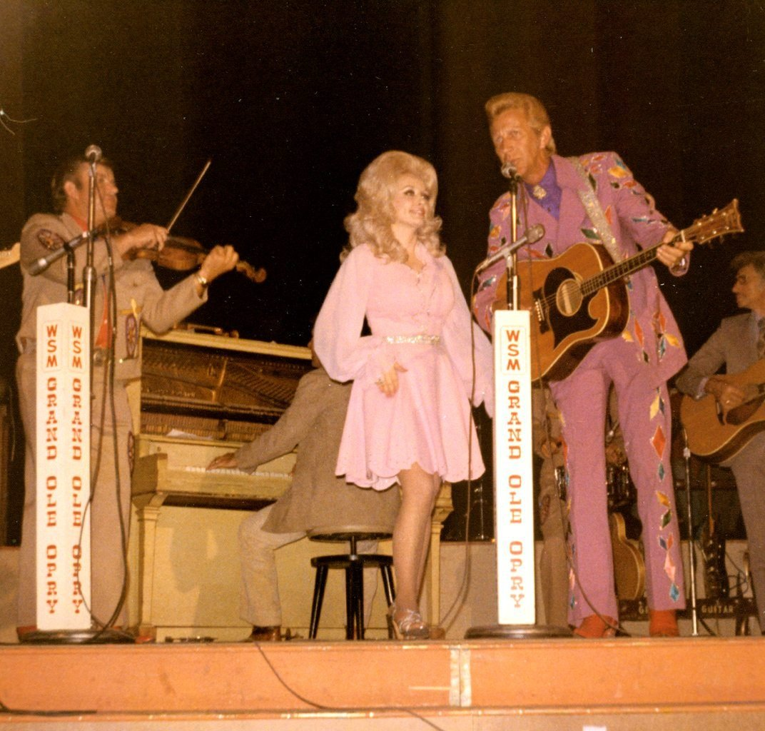 1 16 e1607953212373 Sparkling Facts About Dolly Parton, The Rhinestone Queen of Tennessee