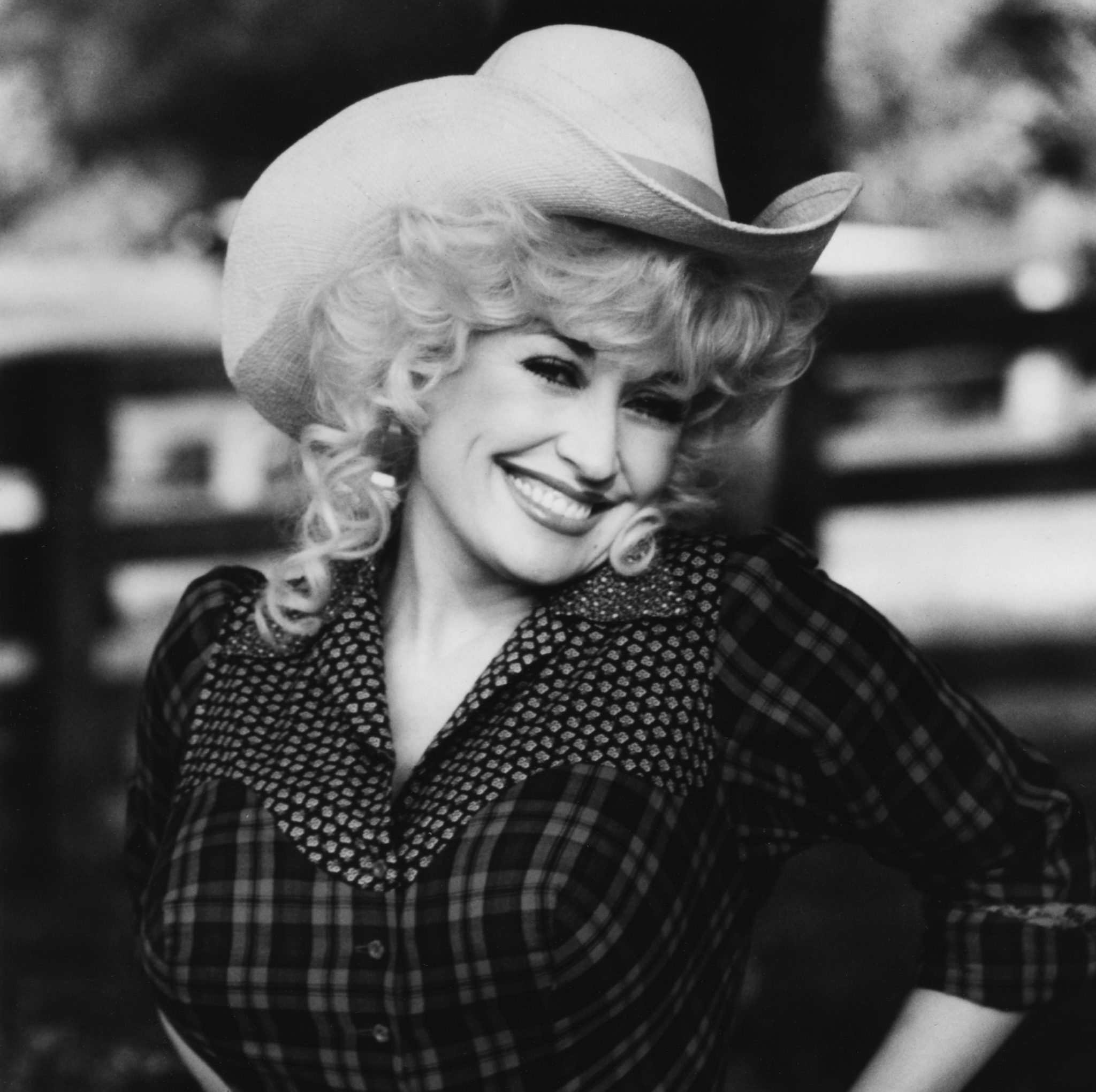 1 165 scaled e1607442623181 Sparkling Facts About Dolly Parton, The Rhinestone Queen of Tennessee