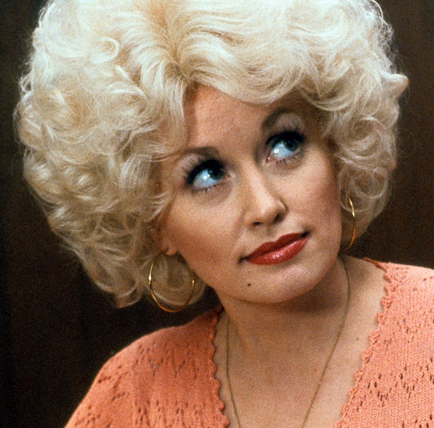 1 215 e1607946501535 Sparkling Facts About Dolly Parton, The Rhinestone Queen of Tennessee