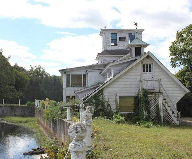1 68 e1607000808975 Eccentric Millionaire Builds Victorian Town That No-One Wants, Today It's A Famous Ghost Town