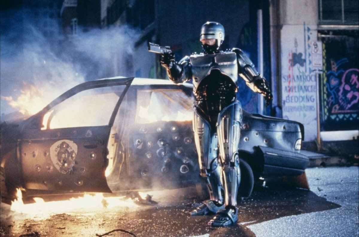 11b 1 20 Futuristic Facts About RoboCop 2
