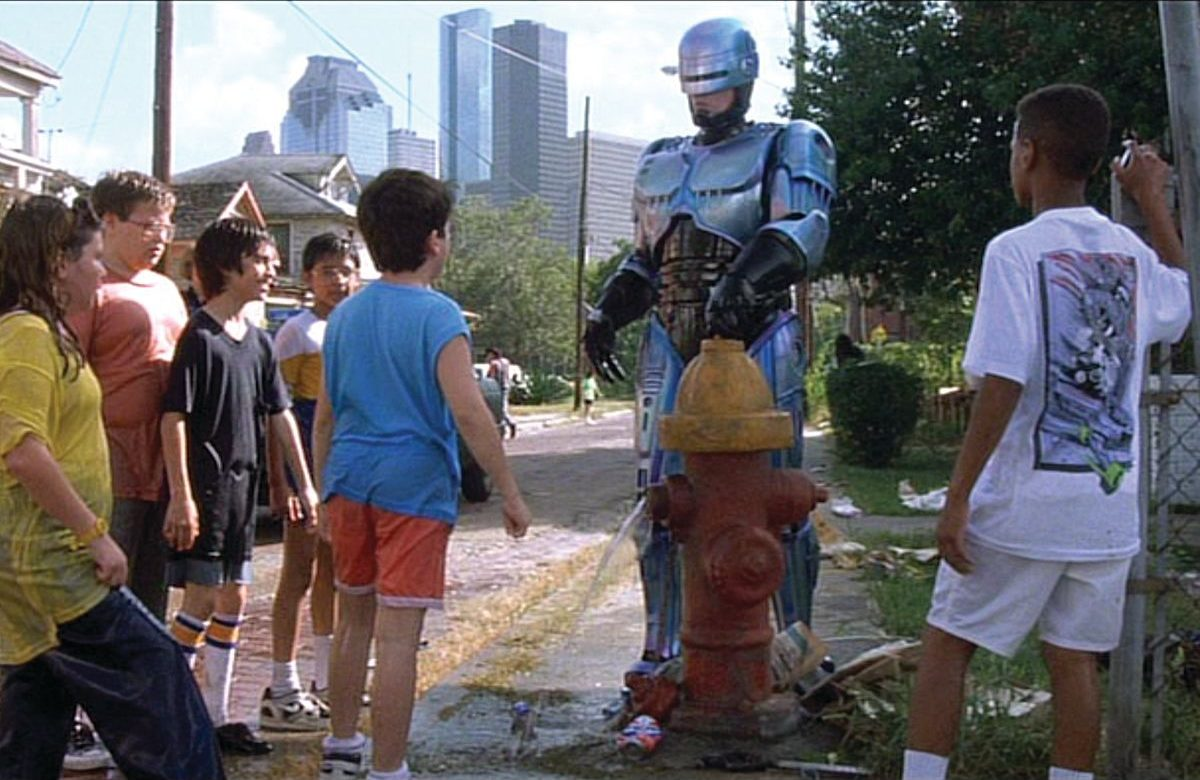 13b 1 e1609346550538 20 Futuristic Facts About RoboCop 2