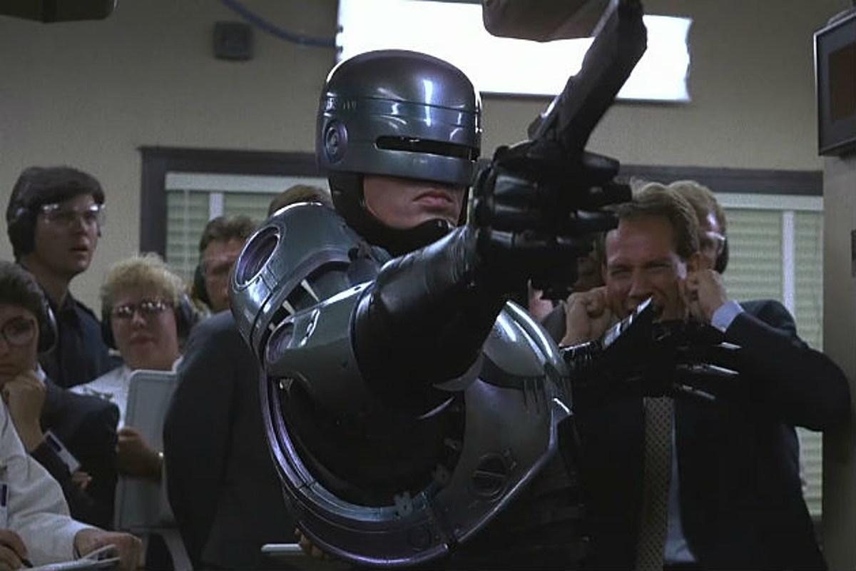6c 1 20 Futuristic Facts About RoboCop 2