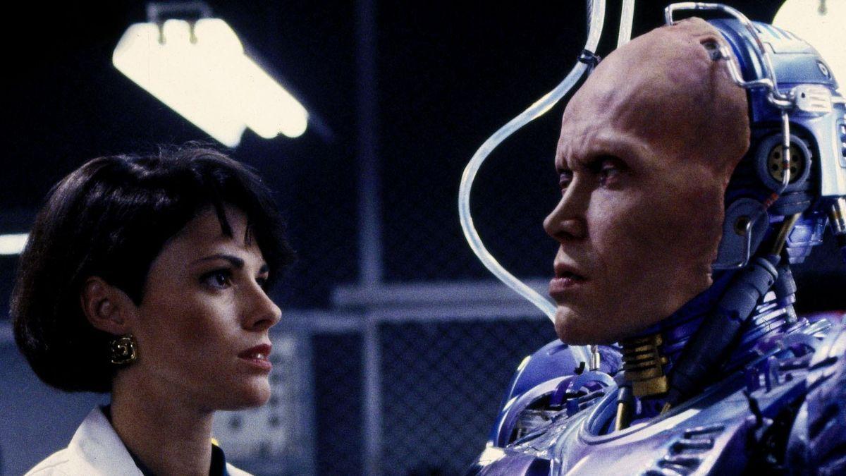 7a 2 20 Futuristic Facts About RoboCop 2