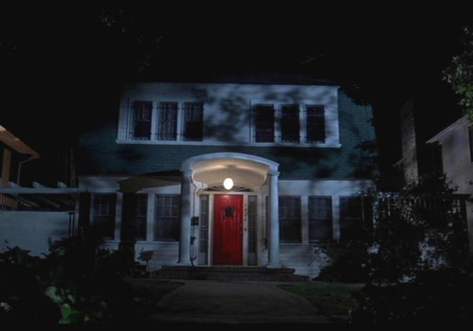 Coverphoto Elm Street 1200x675 1 e1607962904870 20 Famous Films That Had Almost Identical 'Twins'