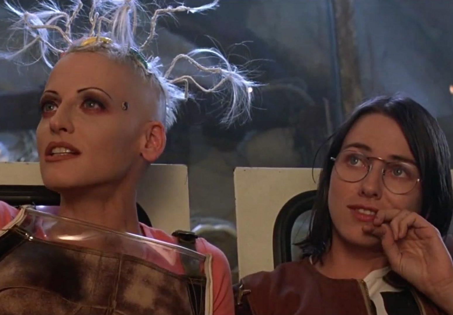 MV5BYWUwNGViZTctODNmMi00M2Y0LThkYTEtMGRlMmVmZmE5NDE5XkEyXkFqcGdeQXVyNjUxMjc1OTM@. V1 e1610116130689 20 Things You Never Knew About The Cult Classic Movie Tank Girl