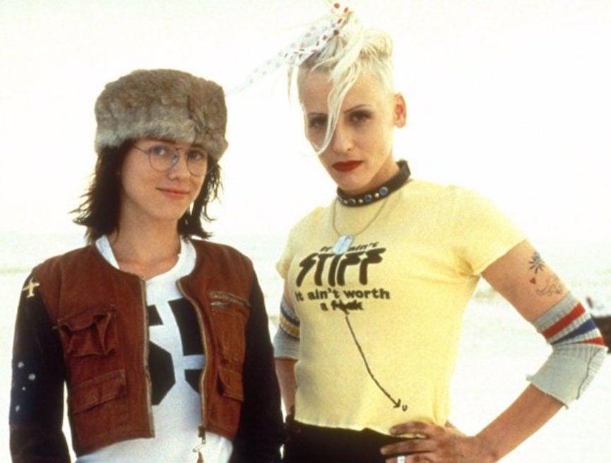 MV5BYzExYTJmM2ItZGViMy00OWQ5LWI0OWUtMzI1MjZiZmJjNWVhXkEyXkFqcGdeQXVyNjUxMjc1OTM@. V1 e1610124749316 20 Things You Never Knew About The Cult Classic Movie Tank Girl