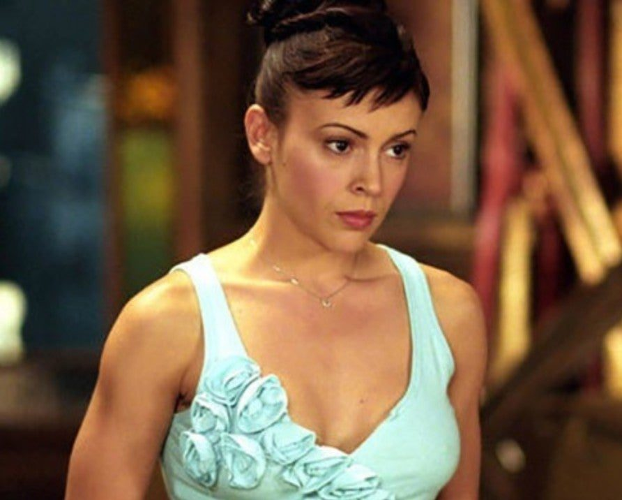 charmed phoebe alyssa milano 1172192 1280x0 1 e1616600548445 20 Things You Probably Didn't Know About Alyssa Milano