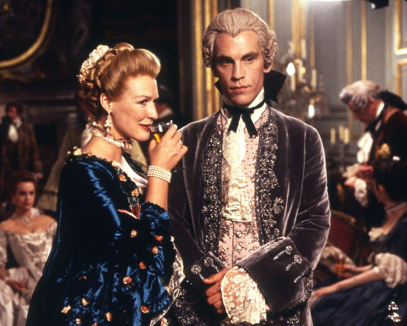 dangerous liaisons sl001 e1607944661685 20 Famous Films That Had Almost Identical 'Twins'