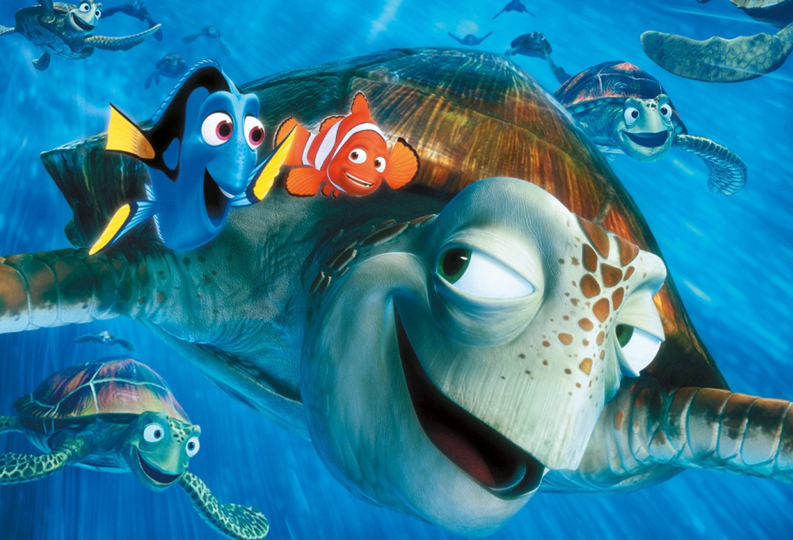 film findingnemo e1607959016856 20 Famous Films That Had Almost Identical 'Twins'