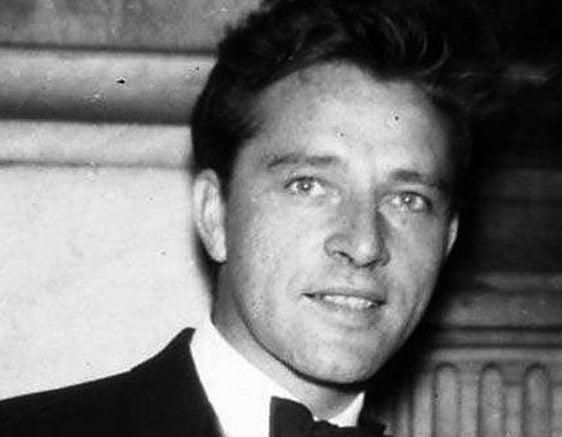 02 MuoqiyX e1611679599560 The Remarkable Life Of Richard Burton