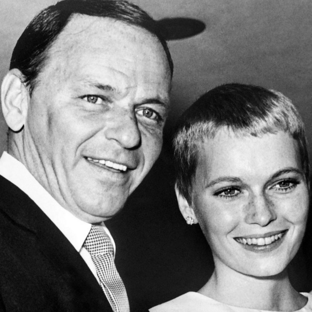 1 310 Frank Sinatra Story: The Scandals And Seductions Of Ol' Blue Eyes