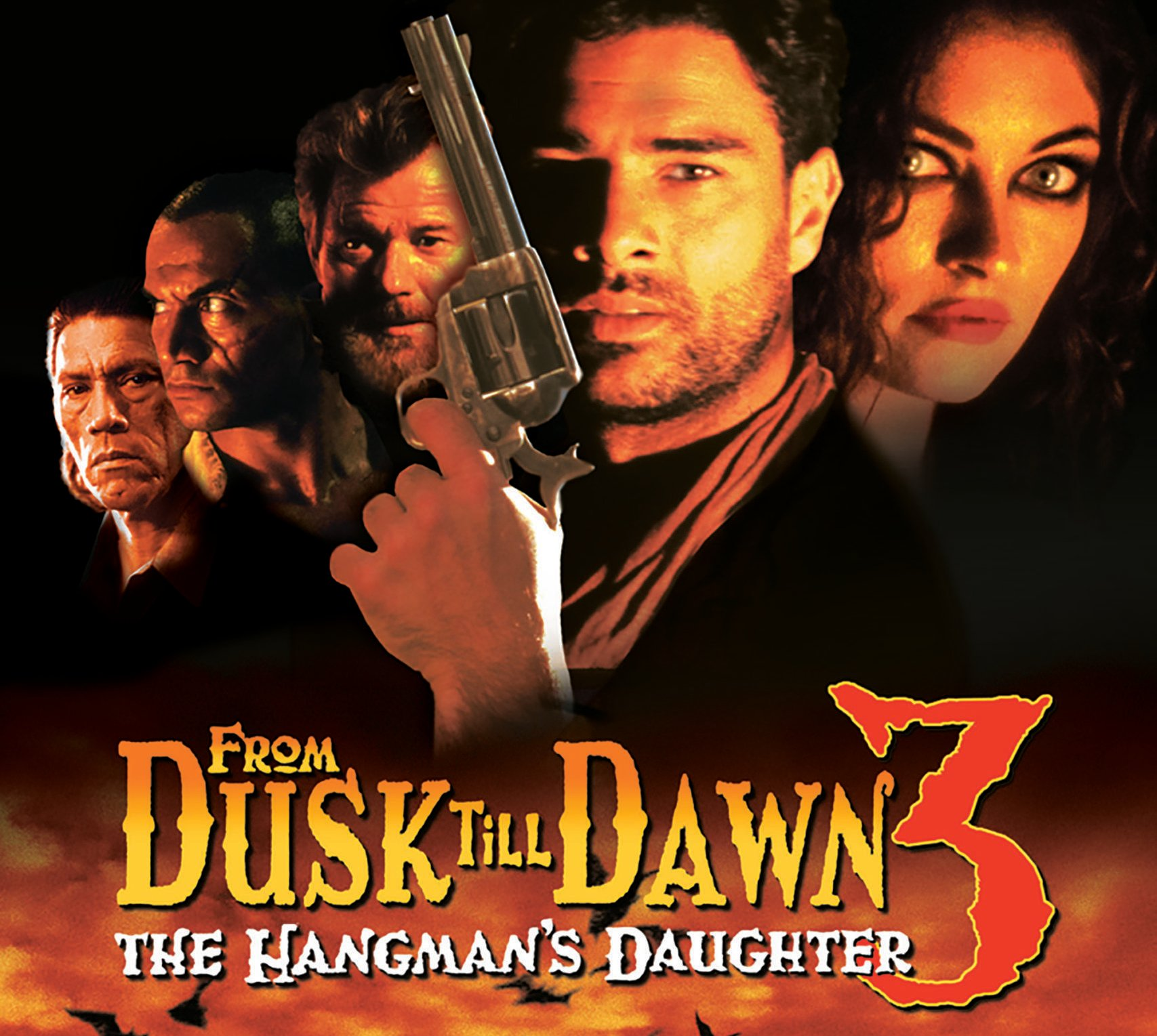 119133812 scaled e1610722001719 20 Fang-tastic Facts About From Dusk Till Dawn