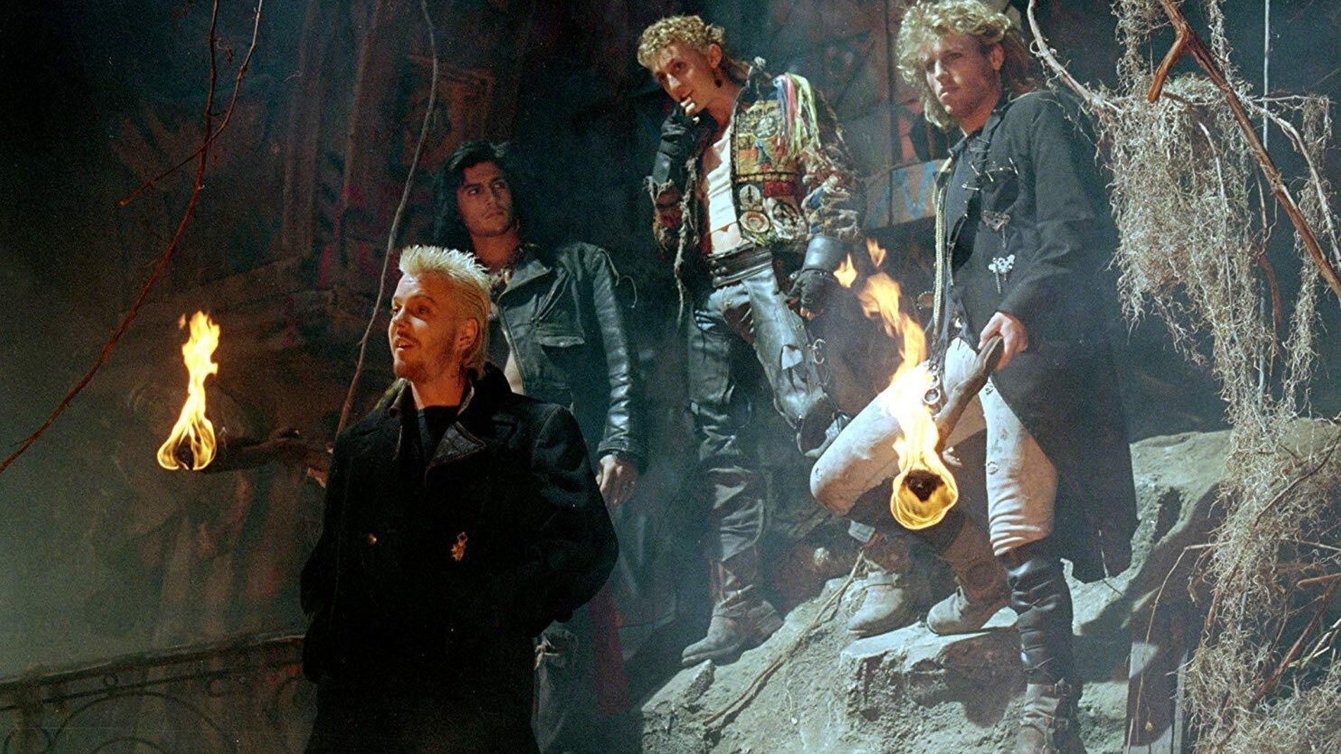 15a 20 Full-Blooded Facts About The Lost Boys