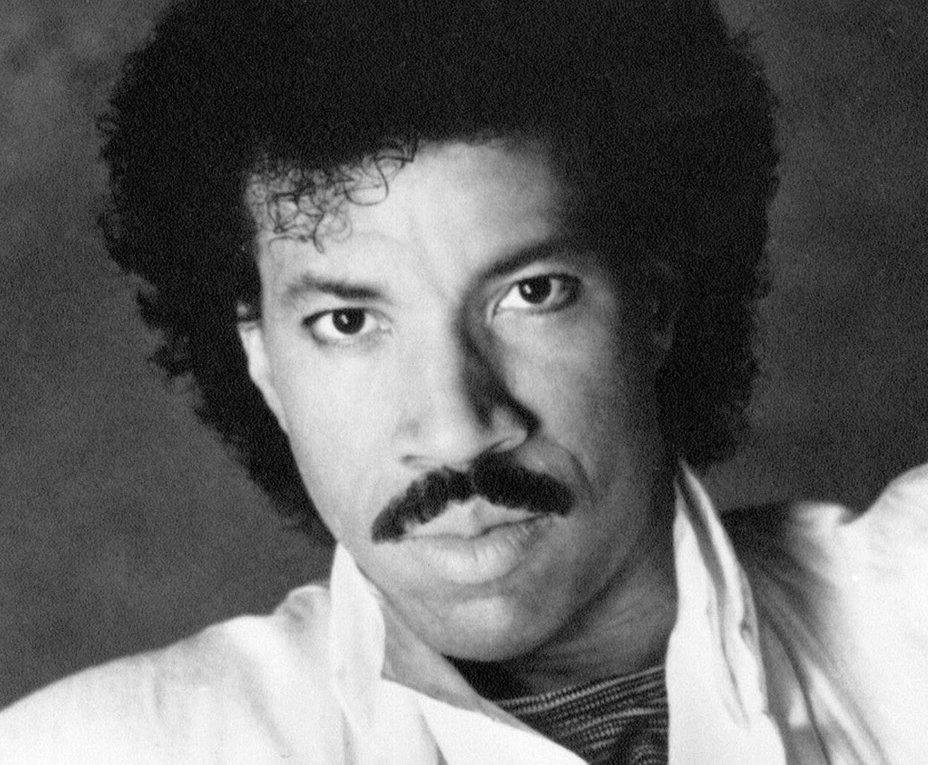 1 a5ynk lzgeIvAkjXsld rA e1609863843906 10 Things You Probably Didn't Know About Lionel Richie