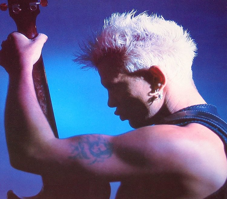 33721626798 3b5d08dece b e1616675979579 20 Things You Probably Didn't Know About Billy Idol