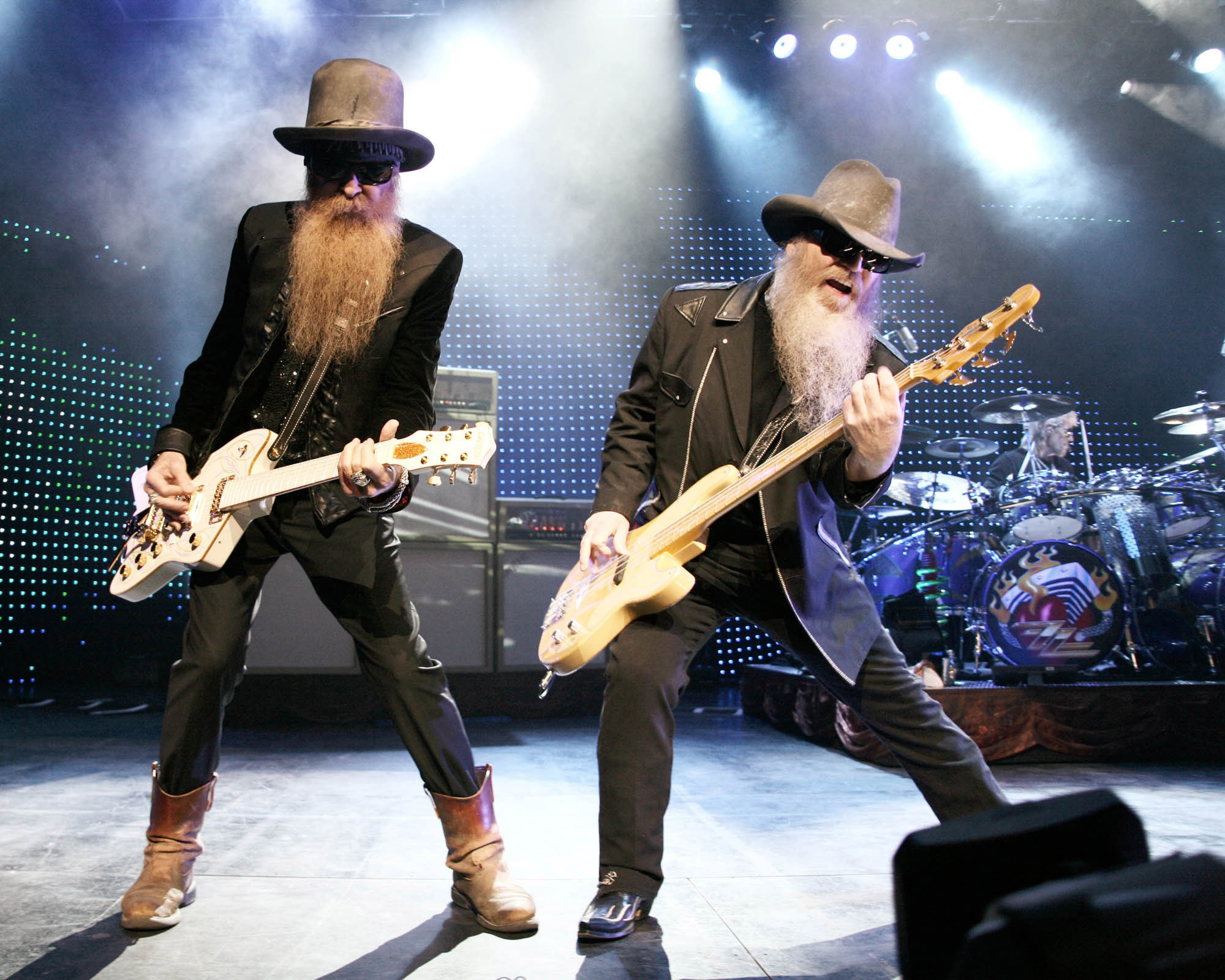 778194 1029.zztop 10 Sharp-Dressed Facts About ZZ Top
