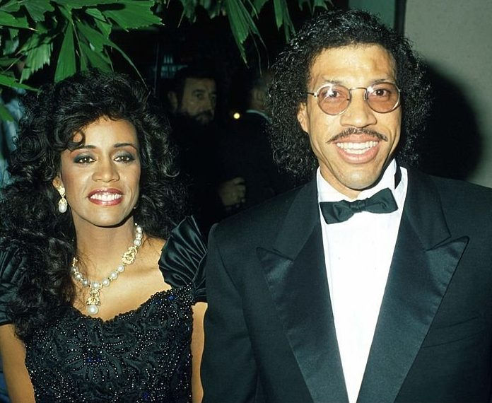 863ed0bee550d8e899ec64b8eab5b8461259591566411467 e1609863532607 10 Things You Probably Didn't Know About Lionel Richie