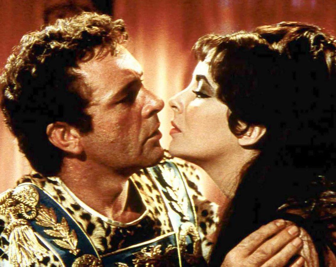 Elizabeth Taylor Cleopatra Richard Burton Joseph L e1611763435285 The Remarkable Life Of Richard Burton