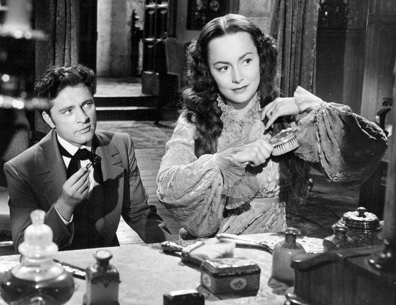 Olivia de Havilland and Richard Burton in My Cousin Rachel 1952 e1611743546752 The Remarkable Life Of Richard Burton