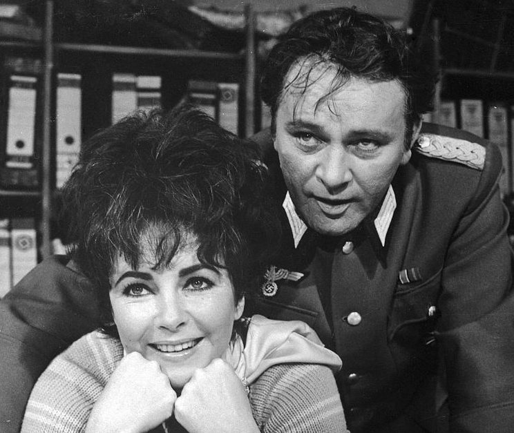gettyimages 515102842 1024x1024 1 e1612172162224 The Remarkable Life Of Richard Burton