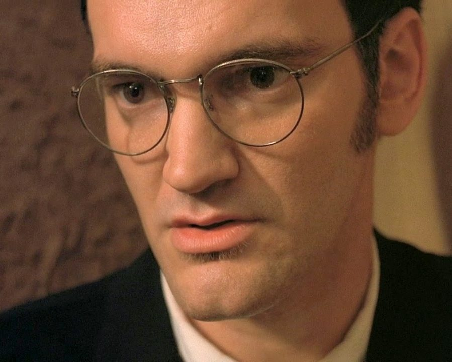 quentin tarentino from dusk till dawn 1996 p3 glasses e1610963360538 20 Fang-tastic Facts About From Dusk Till Dawn