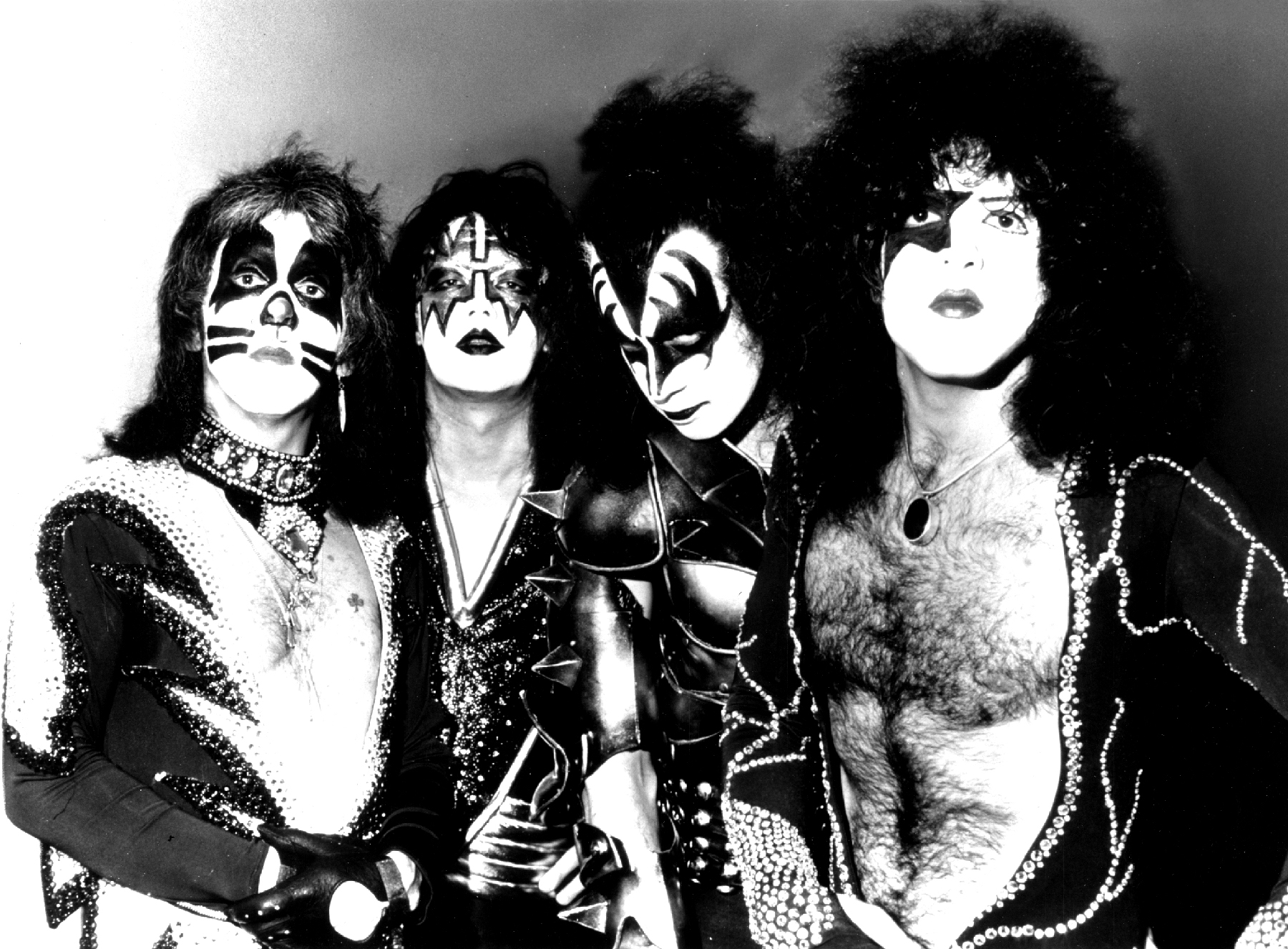 rs 14909 kiss 1800 1396461735 20 Things You Probably Never Knew About Rush