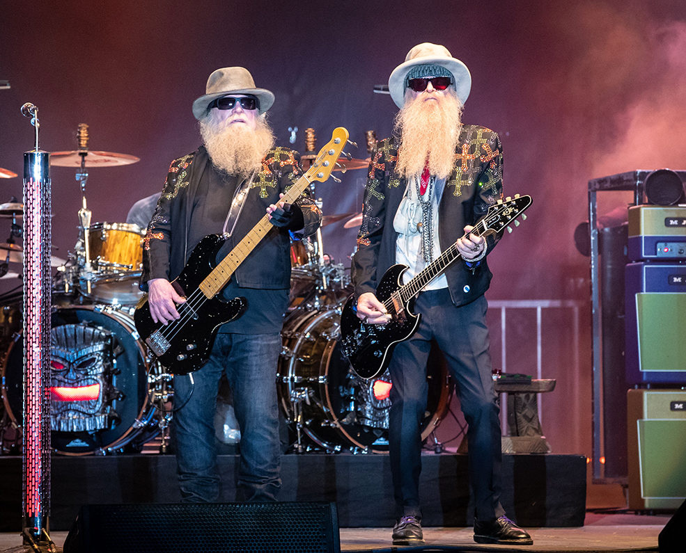 shutterstock 9714241ajW e1610379999870 10 Sharp-Dressed Facts About ZZ Top