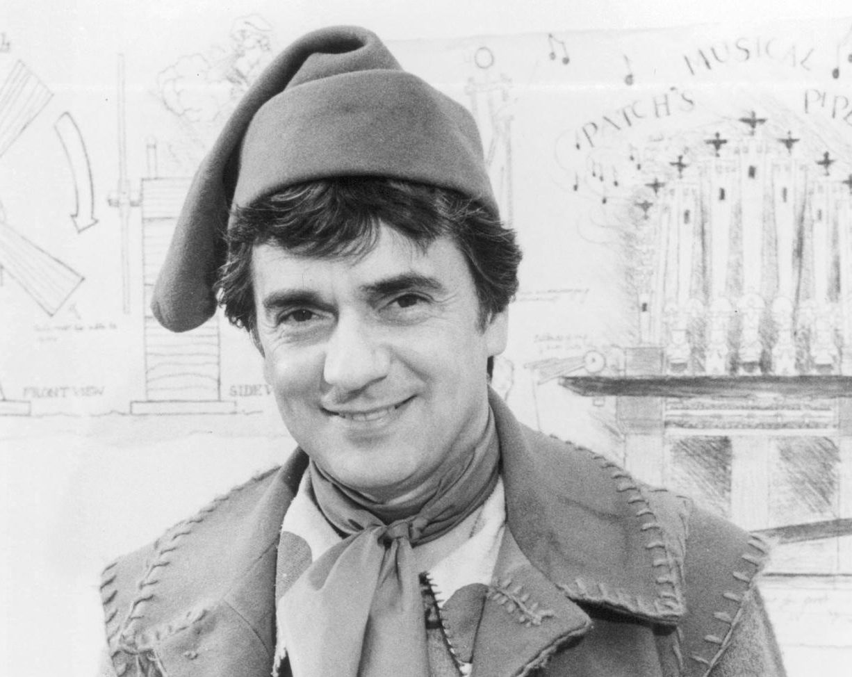 still of dudley moore in santa e1610111075859 20 Things You Never Knew About Dudley Moore