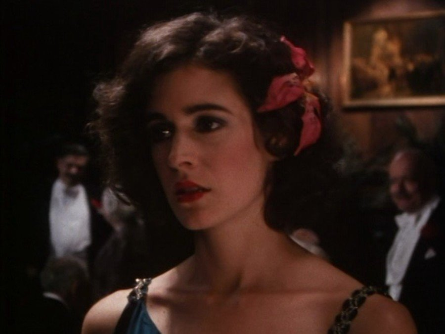 21600.large The Spectacular Rise and Catastrophic Fall of Sean Young