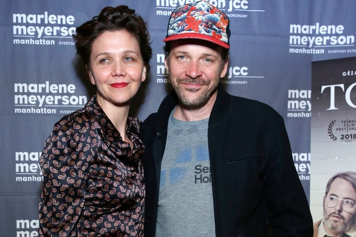Maggie Gyllenhaal and Peter Sarsgaard min True Love Exists In Hollywood And These Celebrity Couples Prove It