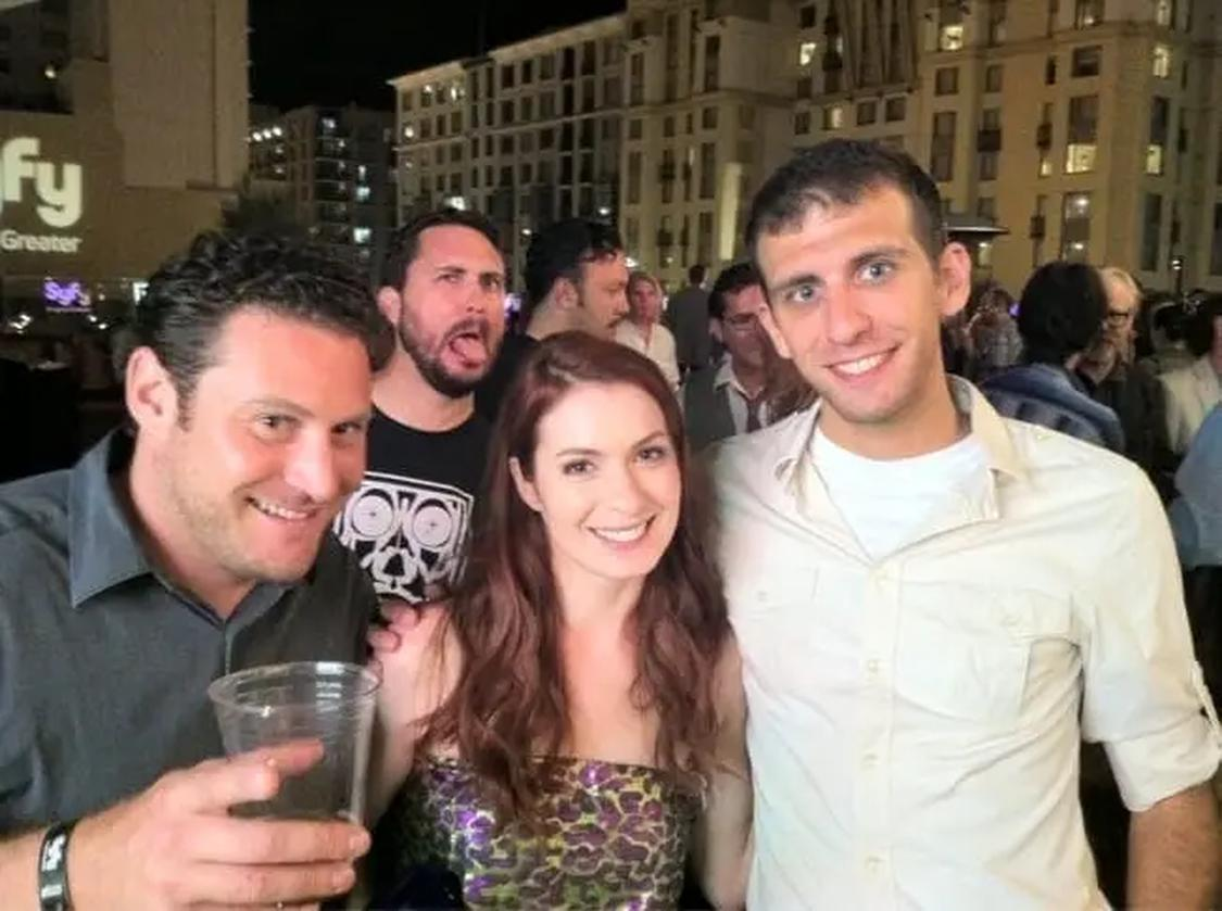 11 c143bb4e5acaf980c5de6651557a947a These People Were Photobombed By Their Favorite Celebrities Without Realizing It