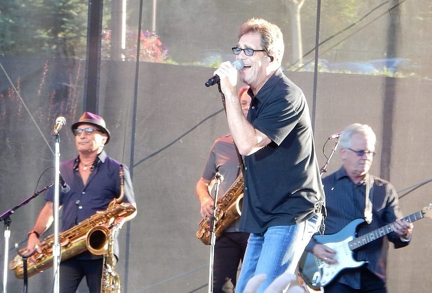 1280px Huey Lewis e1626080592788 20 Things You Might Not Have Known About Huey Lewis and the News