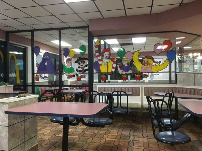 13 109 These Pictures Show How Different McDonald's Was In The 80s & 90s