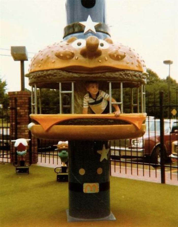 15 105 These Pictures Show How Different McDonald's Was In The 80s & 90s