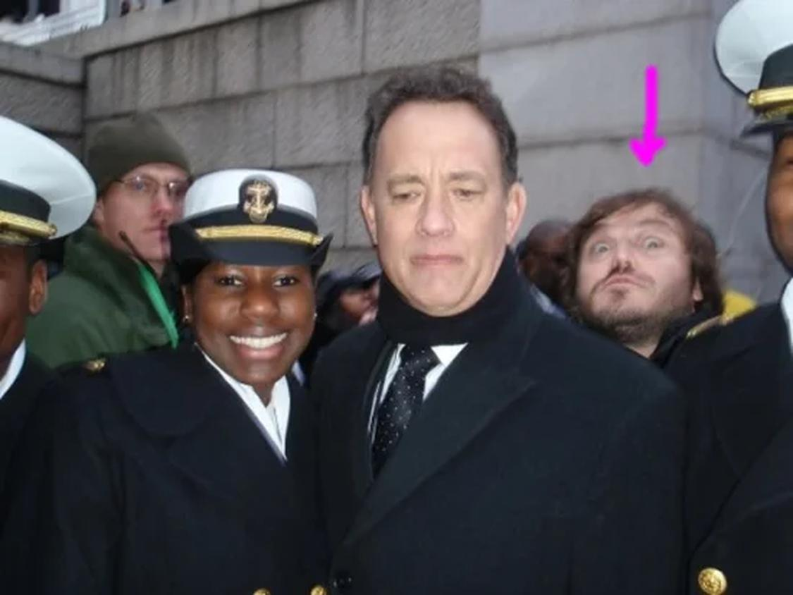 2 94a11df146e7356fce406cc2daaa2eb7 These People Were Photobombed By Their Favorite Celebrities Without Realizing It