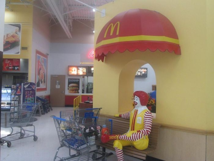 22 65 These Pictures Show How Different McDonald's Was In The 80s & 90s