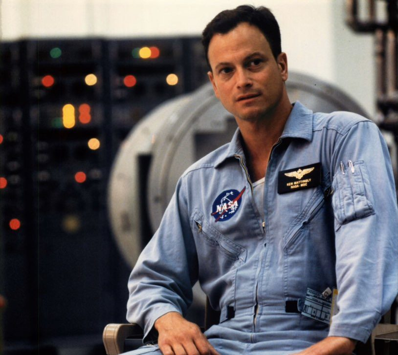 EV0j4X U8AAPFPz e1618316023632 20 Things You Never Knew About Gary Sinise